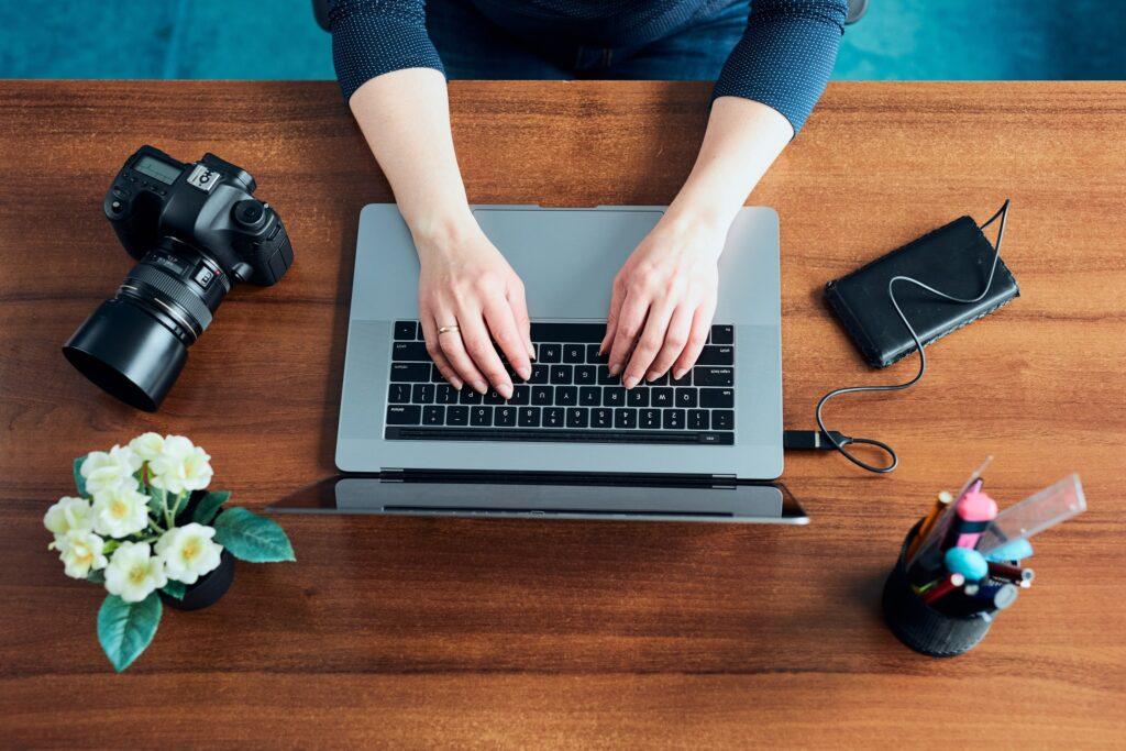 Female Photographer Setting Her Linkedin Background Photo
