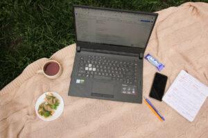 job seeker preparing her resume and cover letter