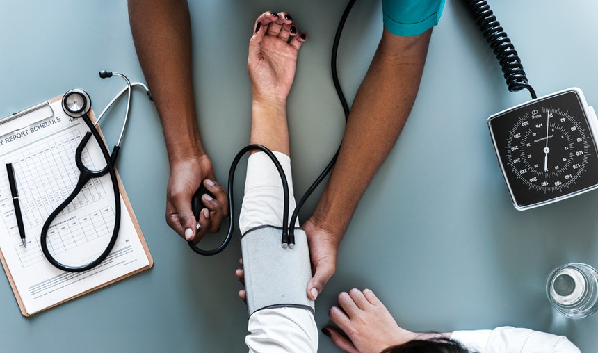 Interns measuring blood pressure who need nurses cover letters