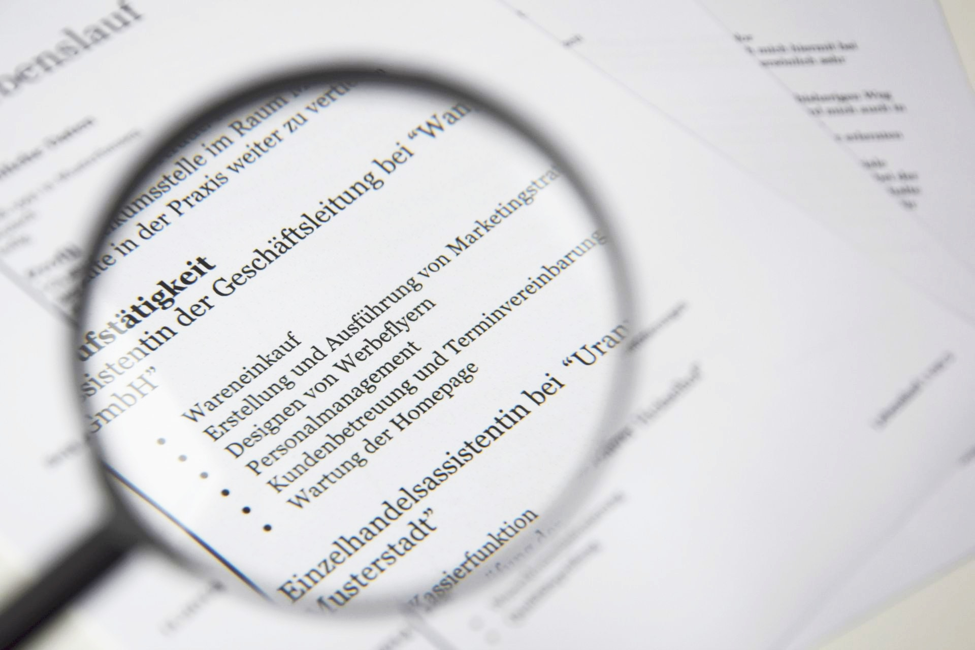 specialized resume find the clues in a resume.