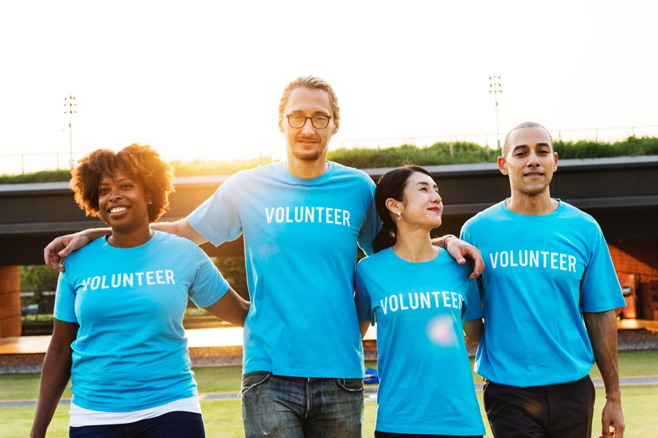 A team of 4 volunteers who succeeded using community outreach coordinator resume examples